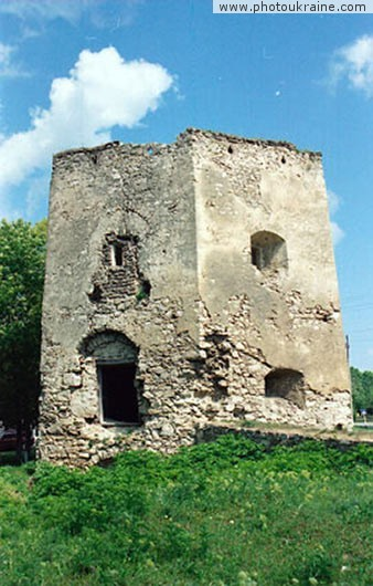 Village Kryvche. Ruins of fortress Ternopil Region Ukraine photos