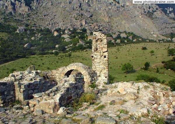 Luchyste. Ruins of fortress Funa Autonomous Republic of Crimea Ukraine photos
