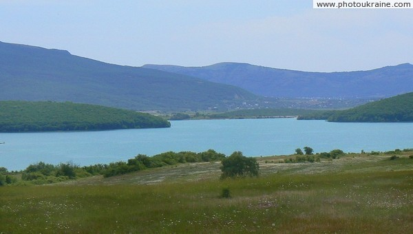 Chernorechenskoye (Black river) Reservoir Autonomous Republic of Crimea Ukraine photos