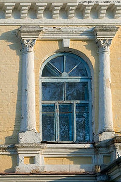 Spychyntsi. Exterior decor of palace Tyshkevich Vinnytsia Region Ukraine photos