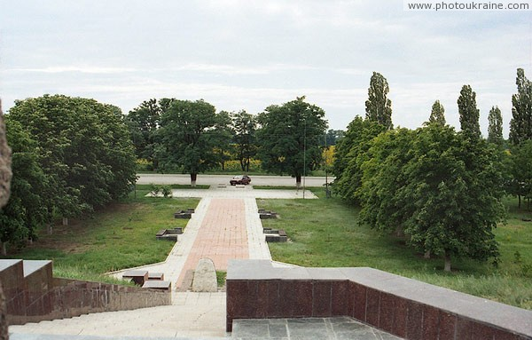 Kapulivka. View of memorial from foot of monument I. Sirko Dnipropetrovsk Region Ukraine photos