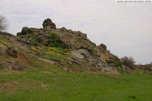Starolaspa. Granite ledge Donetsk Region Ukraine photos