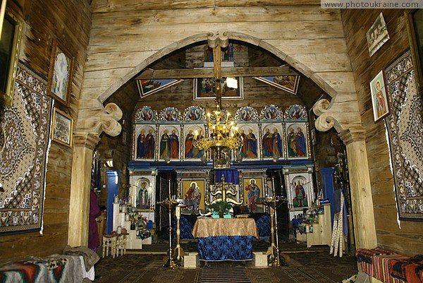 Yasinia. Iconostasis of church Strukivska Zakarpattia Region Ukraine photos