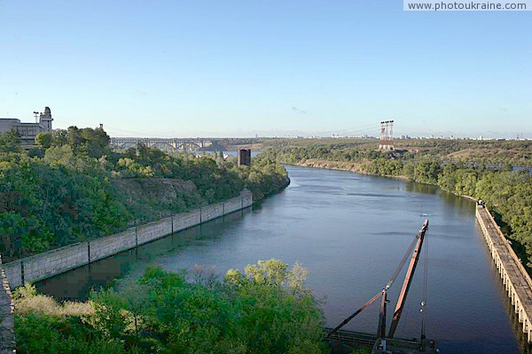 Zaporizhzhia. Concrete wall and arch dam at locks Zaporizhzhia Region Ukraine photos
