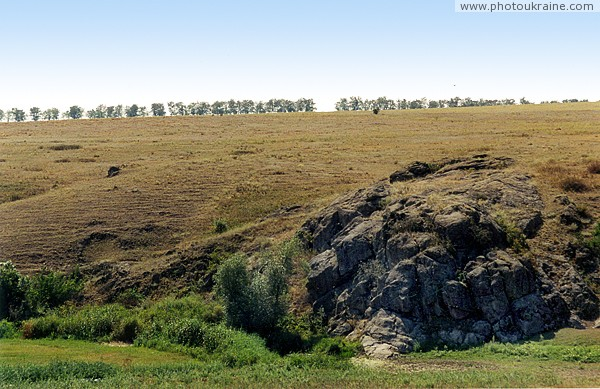 Kalaytanivka. Granite forehead corrects riverbed Zaporizhzhia Region Ukraine photos