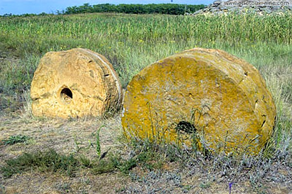 Terpinnia. Relics of mill case Zaporizhzhia Region Ukraine photos
