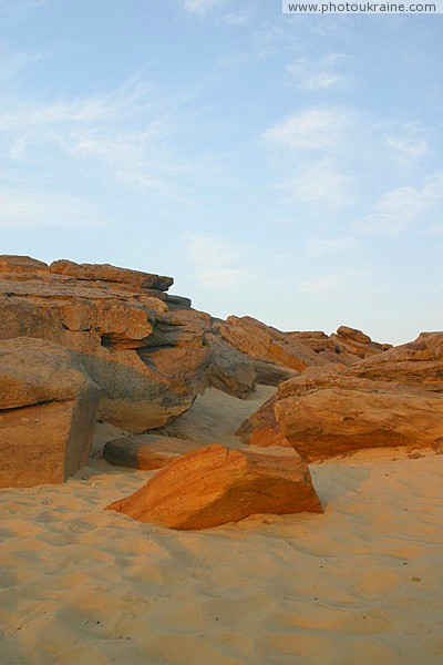 Terpinnia. Weathered rocks of Sarmatian Sea Zaporizhzhia Region Ukraine photos