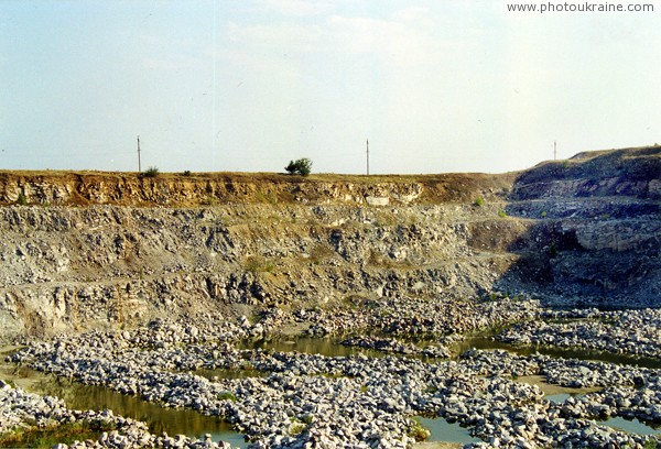 Trudove. Extraction of Azov granites Zaporizhzhia Region Ukraine photos
