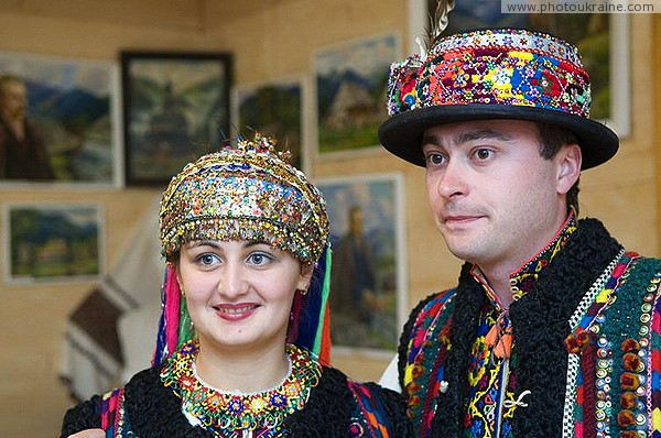 Verkhovyna. Hutsul wedding - newlyweds Ivano-Frankivsk Region Ukraine photos