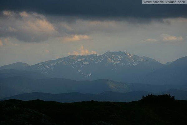 Chornohora. Eastern part of Poloninsky Beskid Ivano-Frankivsk Region Ukraine photos