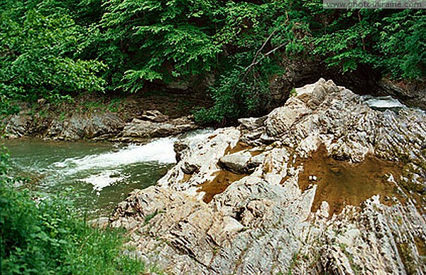 Sheshory. Paleogene flys - the cause of the waterfall Ivano-Frankivsk Region Ukraine photos