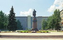 Donetsk. Monument to T. Shevchenko and regional administration, Donetsk Region, Monuments